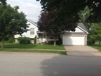 Northend Side split in Niagara Falls (OPEN HOUSE SUNDAY 2 - 4pm)