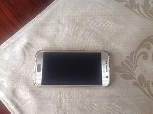 Cellulaire Samsung 6S a vendre