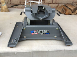 5th Wheel Hitch B&W Patriot