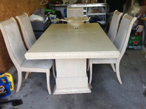 Vanity solid wood dining table and 5 Chairs ex co