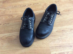 Men's black shoes - size 8