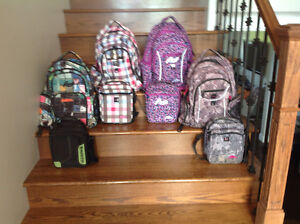 Roots back packs with lunch bag