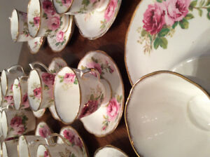 Royal Albert American Beauty discontinued 10 cups and saucers