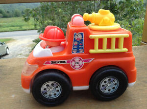 SHELCORE VINTAGE FIRE ENGINE 1998 TOY. CAMION DE POMPIER