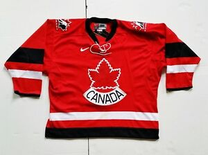 AUTOGRAPHED 2002 OLYMPICS TEAM CANADA JERSEY NHL Hockey Gretzky