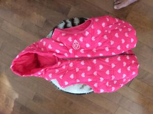 Veste rose pour petite fille