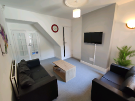 FULLY REFURBISHED ROOMS TO LET 4 BED SHARED HOUSE