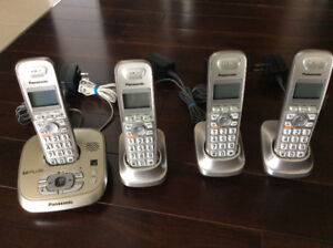 Set of 4 Panasonic Cordless Phone