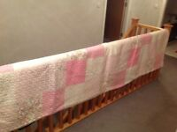 Beautiful large American quilt. Excellent condition