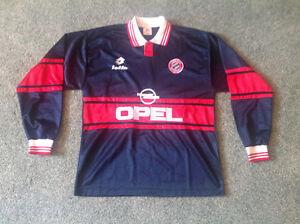 "Official ""Bayern Munich"" Jersey size XL....NEW.."