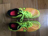 Adidas football trainer SIZE 4UK