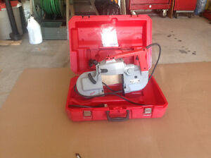 Portable band saw 120volts Milwaukee