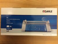 Dahle A4 Personal Trimmer Guillotine Cutting Length 320mm/Cutting Capacity 0.8mm - Blue