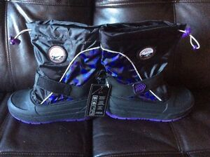 Brand new girls size 13 Alpinetek boots for sale Cambridge Kitchener Area image 1