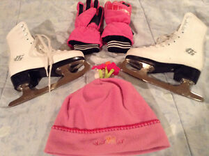 CCM Girls Ice Skates Size 11 includes Hat and Gloves
