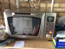 DeLonghi Microwave Oven/Grill