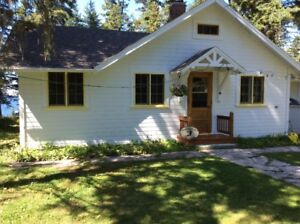 WASAGAMING LAKE FRONT COTTAGE FOR SALE