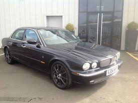 Jaguar XJ Series 3.0 auto XJ6 SE SALOON , A STUNNER IN JET BLACK , GENUINE 82K