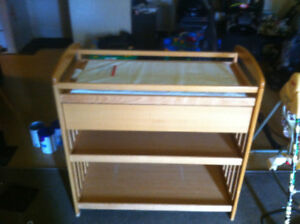 Baby changing table with storage draw