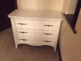 Loura Ashly drawers