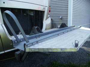 HydraLift motorcycle carrier