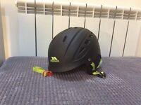 Trespass ski/snowboard helmet