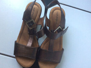 Woman Leather sandals by Naturalizer