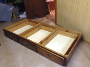 Single/twin bed frame and drawers