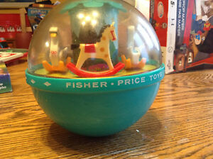 VINTAGE FISHER-PRICE ROLY POLY CHIME BALL 165 Gatineau Ottawa / Gatineau Area image 1