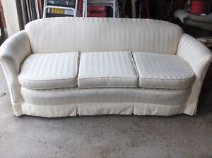 Elegant curved edge sofa, Ivory striped material, MINT condition