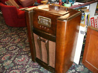 Beautiful Antique MARCONI Radio with turntable - it WORKS