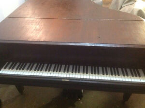 """IVERS & POND 5""""Grand piano.Partially trade possible. Negotiable."""
