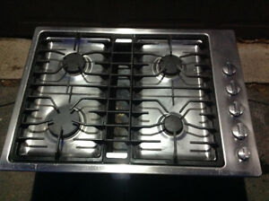"Luxury ""JENN-Air"" 30"" Gas Downdraft Coock Top-great condition"