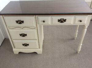 Secrétaire buy or sell desks in gatineau kijiji classifieds