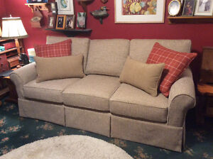 Accent Upholstery and Slipcovers London Ontario image 3