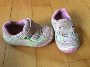 Little girls Stride Rite shoes size 5