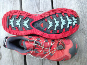 Brand new Solomon trail runners