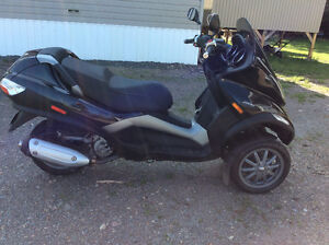 Amazing Piaggio MP3 Like New!!