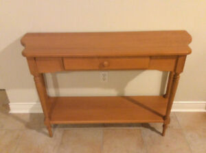 Solid maple sofa/hall table mint condition