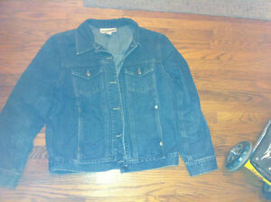 Excellent condition women's jean jacket for sale London Ontario image 1
