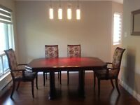 Wood table and 6 chairs - 700$ OR BEST OFFER