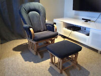 Chaise berçante et repose-pied sur billes Dutaillier