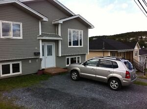 14 A Walbournes Rd--Large 2 Bedroom Apt--Available Feb 1/17