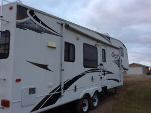 2008 Cougar 30ft fifth wheel