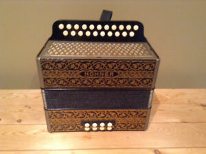 Hohner Vienna Accordion GC