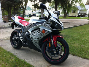 2008 Yamaha R1 Canadian Edition