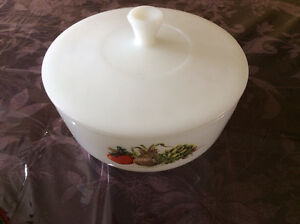 Vintage 2.5 Qt. Federal Milk Glass Dish with Lid