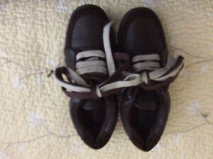 Kenneth Cole Shoes Size 2(children's shoes)