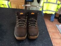 Site size 10 steel toecap safety boots