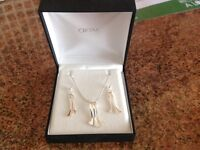 Ortak Silver Necklace and Earring Set
